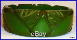 1930s Art Deco Bakelite Carved Bangle Bracelet Stylized Leaves Jade Green