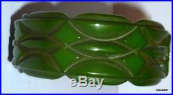 1930s Art Deco Modernism Carved Green Bakelite Bangle Bracelet
